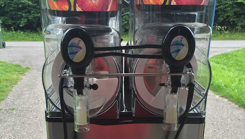 Hoppeborg udlejning og slush ice maskine
